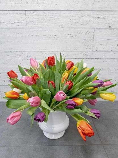 Bouquet of tulips (vase included) - Fleuriste Coin Vert | Montréal