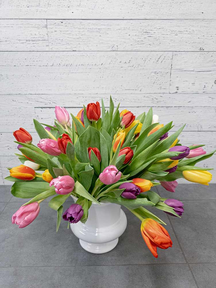 Bouquet de tulipes (vase inclus) - Fleuriste Coin Vert | Montréal