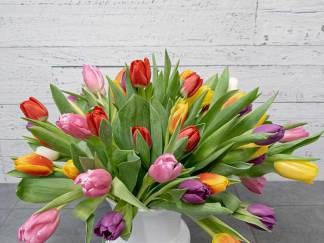 Bouquet of tulips (vase included) - Fleuriste Coin Vert | Montréal
