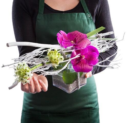composition florale avec orchidee pour fleuristes et fleurs