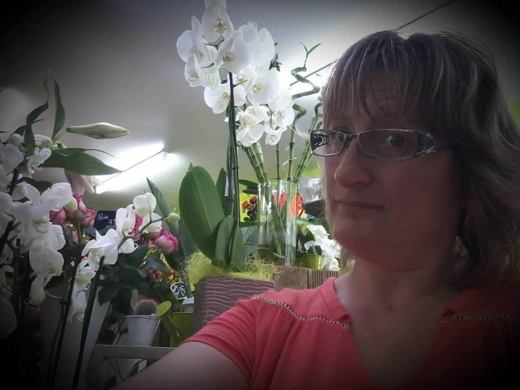 Fleuriste saint sauveur le vicomte val rie pour les for Fleuristes et fleurs