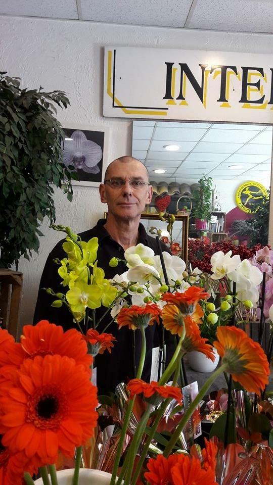 pierre pour o r ve floral artisan fleuriste saint laurent du var 06700. Black Bedroom Furniture Sets. Home Design Ideas