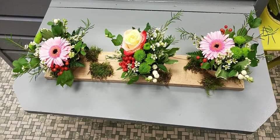 composition florale par Emilie pour Les Fleurs de Mures. Artisan fleuriste à Montville-76710