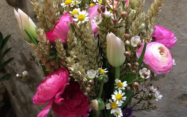 Bouquet par Art et Nature fleuriste à Eguilles-13510