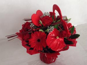 Composition par Céline pour Au Bonheur Des Fleurs fleuriste à LA PLAINE DES PALMISTES-97431