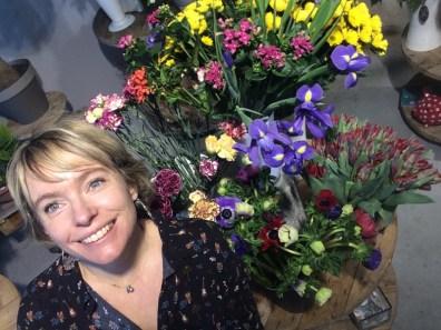 """Votre artisan fleuriste à La Teste de Buch (33260), Emilie pour """"LILIE ROSE"""""""