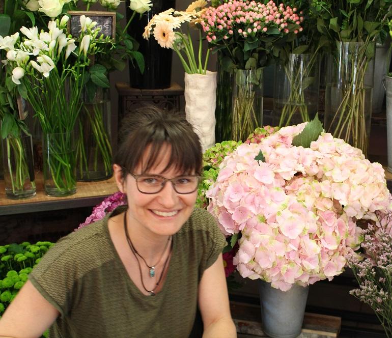 """Votre artisan fleuriste à Bonson (42160), Pauline pour """"Mil Pots"""""""