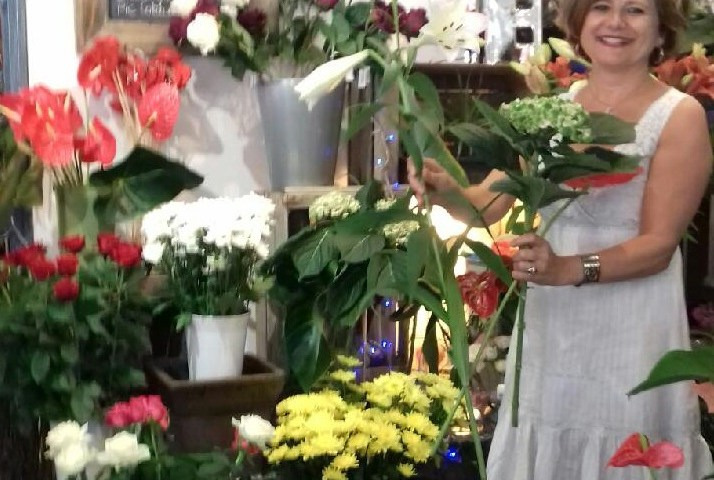 """Votre artisan fleuriste à La Valette du Var (125854), Véronique pour """"Alicia Fleurs"""""""