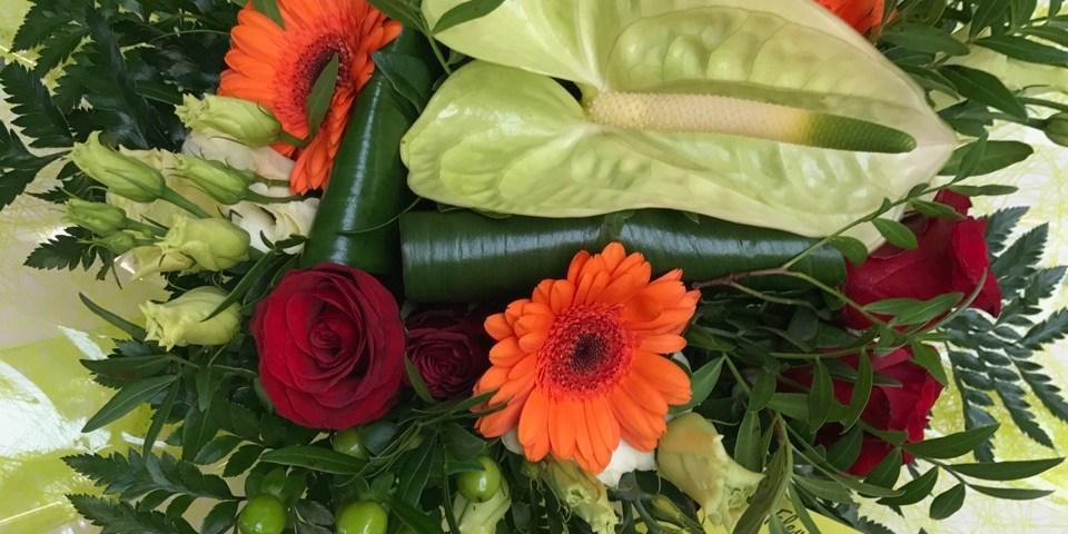 Envoyer des fleurs à Evrecy avec votre fleuriste Les Fleurs Du Sentier