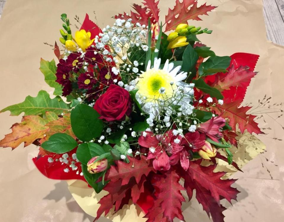 Envoyer des fleurs à Sedan avec votre fleuriste Reine des Prés