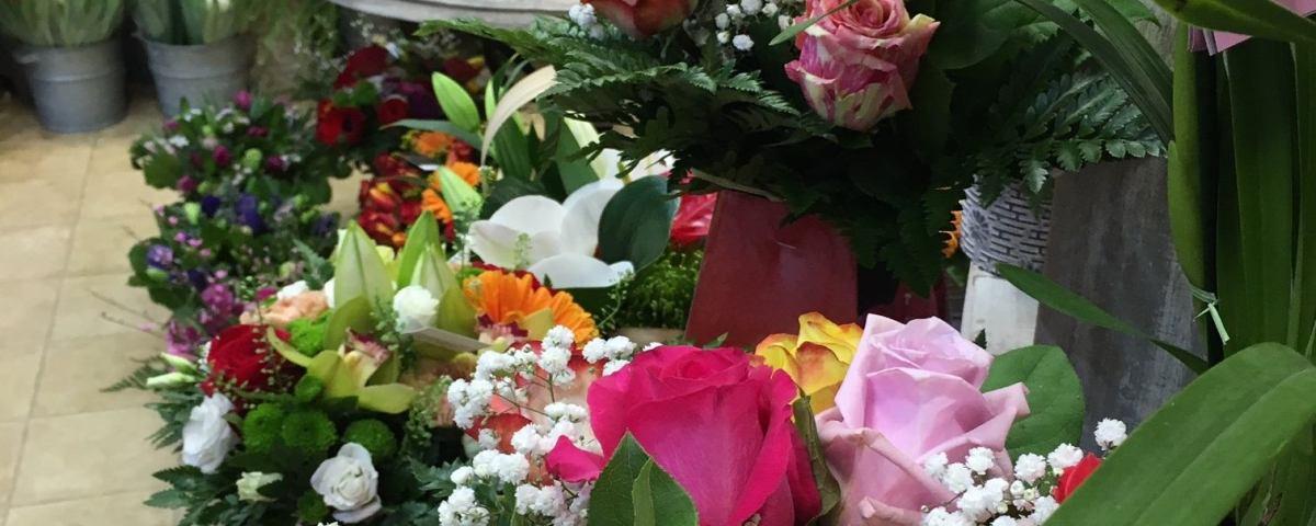 Monsieur Gilles Saison & Pluie De Fleurs