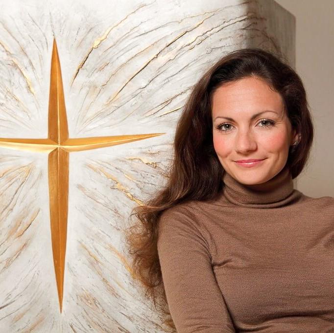 fleur nabert sculpteur chapelle notre dame du sourire lisieux mobilier liturgique portrait artiste autel bronze doré
