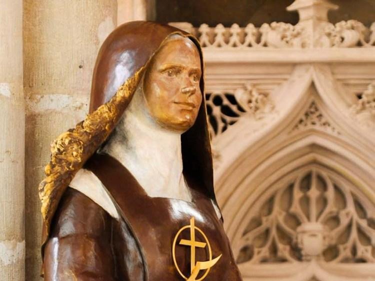 fleur nabert sculpteur église saint michel elisabeth de la trinité statue canonisation dijon
