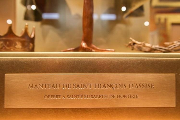 fleur nabert sculpteur reliquaire du manteau de saint françois d'assise vue d'ensemble paris