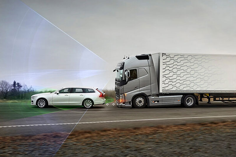 Programa Nacional de Etiquetagem Veicular, em vigor desde 1º de janeiro, institui a publicação, em meio digital, de etiquetas sobre itens de segurança em caminhões.