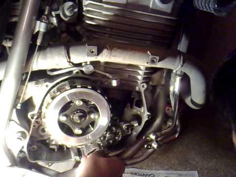 Reemplazo de discos de embrague en Honda Tornado 2
