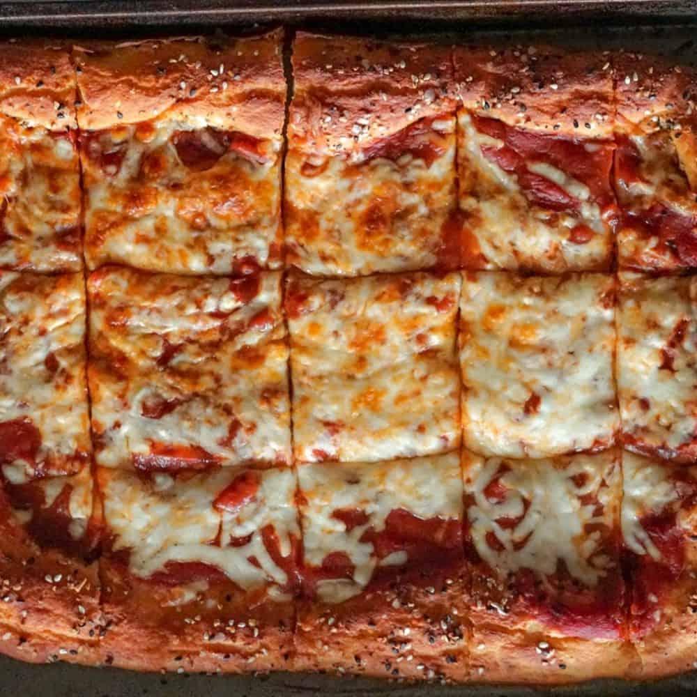 XL Sheetpan Everything Bagel Pizza