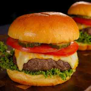 The Classic 1_2 lb Cheeseburger