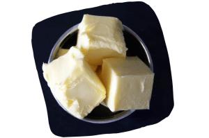Un point sur les lipides : le beurre contient beaucoup d'acides gras saturés