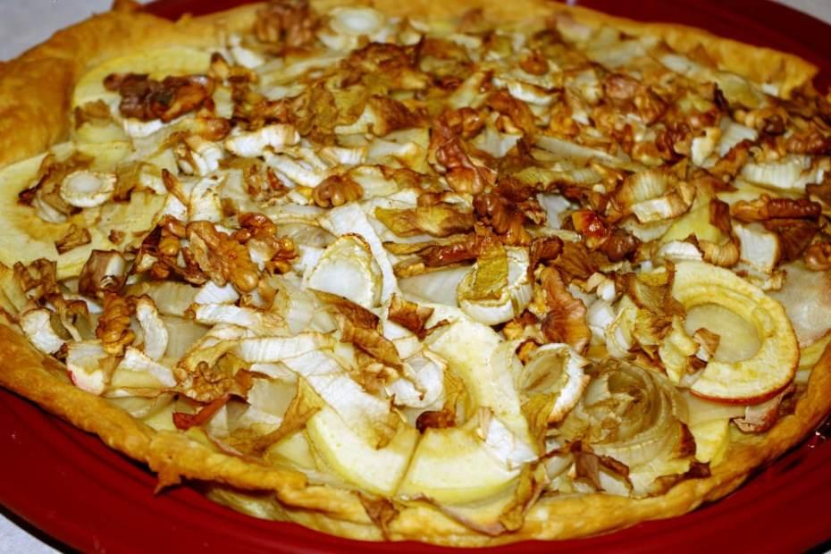 Recette de quiche aux endives, pommes et noix