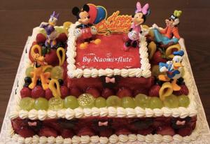 ディズニーランド内で誕生日ケーキ