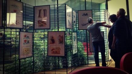 Exposition Gradignan, accrochage par Denis Lapierre (Photo : Dominique Clère) - Flibusk