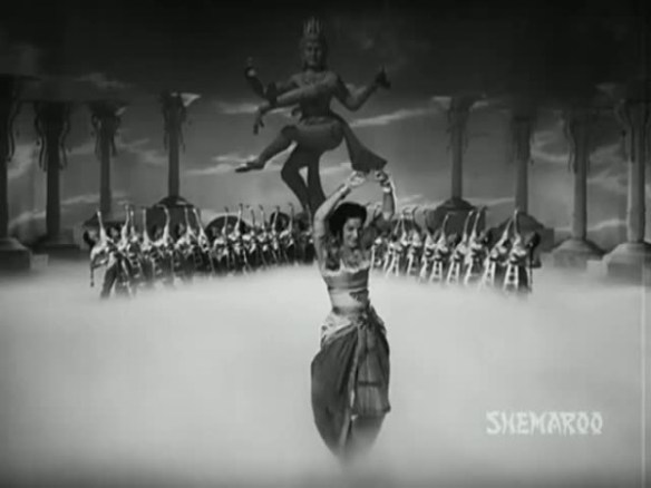 65600-awaara1951dreamdancesequence11