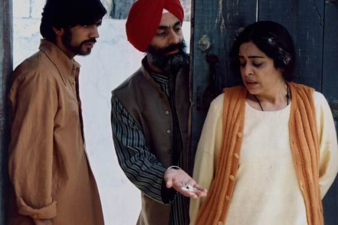 Khamosh pani movie review kirron kher