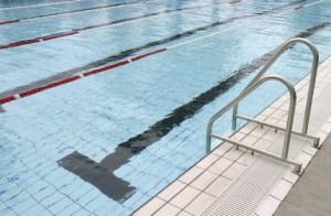 Schwimmbecken / Schwimmhalle