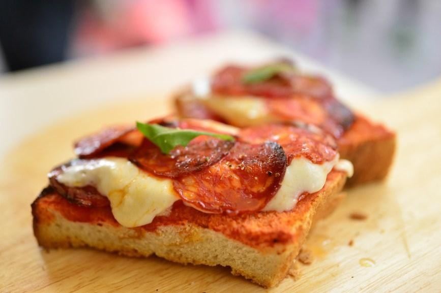 Enoteca delle antiche mura, Sirmione the best Pizza!