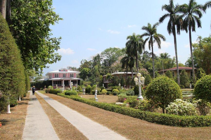 Villa Escudero Estate
