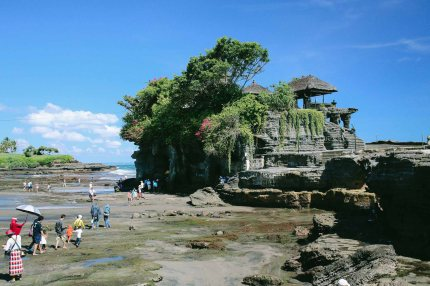 Tanah Lot, bright day