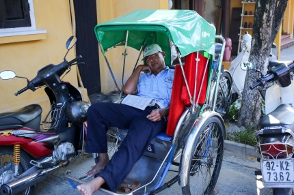 Napping in the cyclo