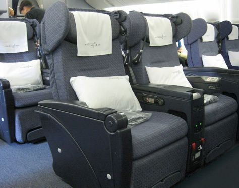 Continental Airlines Business First 777, 2010, CC Wikimedia