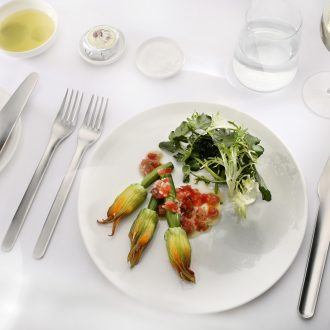 Qantas new tableware line. Source: Qantas