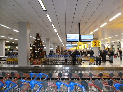Schipol arrivals hall
