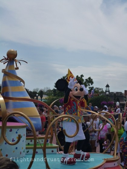 During the parade Mickey was excited to spot his favourite travel blogger in the crowd