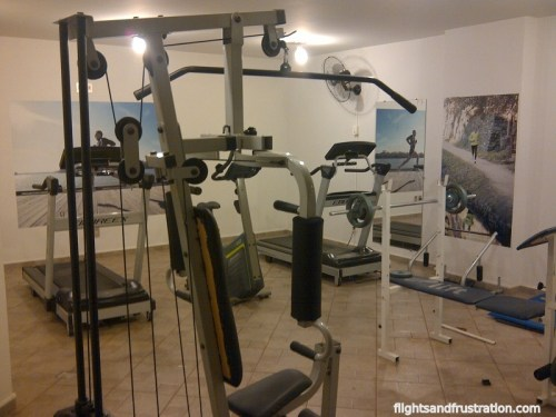 The gym at Lagoa Serena Flat Hotel