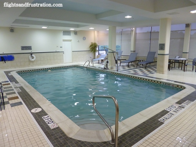 An empty pool at Courtyard Marriott Pittsburgh at Settlers Ridge