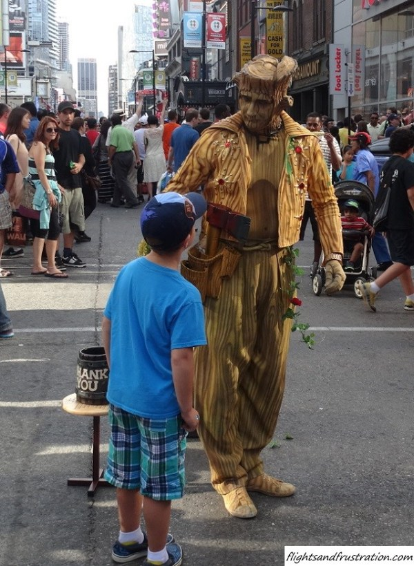 Just having a quick chat at Buskerfest Toronto (24)