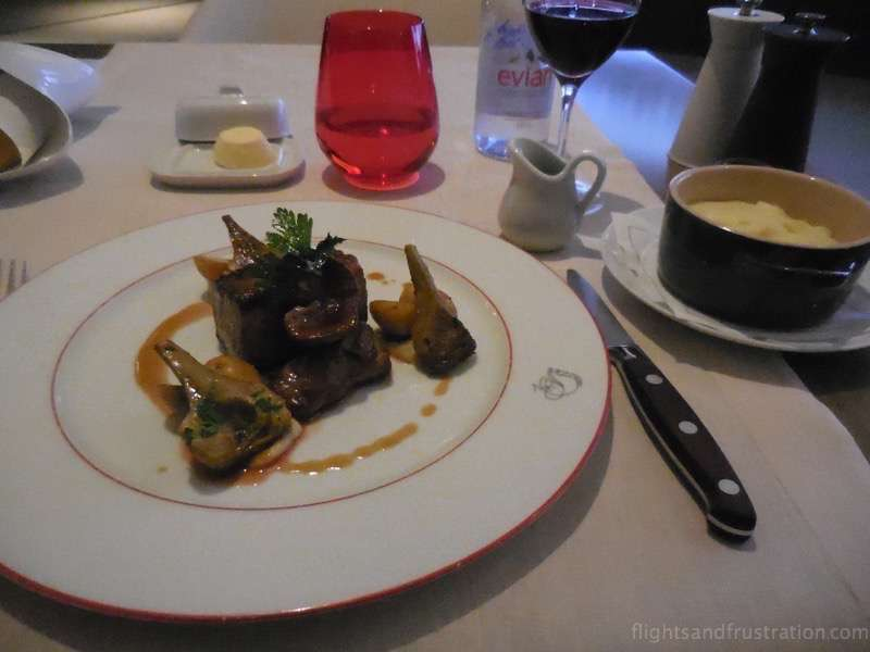 An amazing melt in the mouth dining experience at La Premiere Lounge at Paris CDG air france first class review