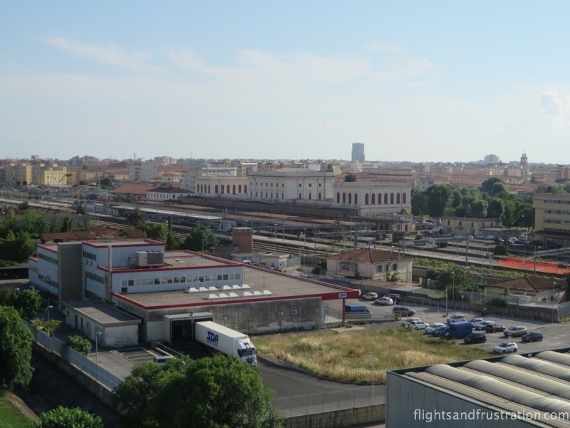 Bedroom view of Livorno train station hotel stazione livorno