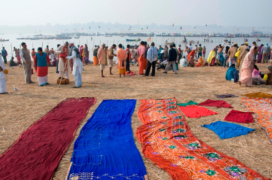 drying sari - the dress for the Indian woman