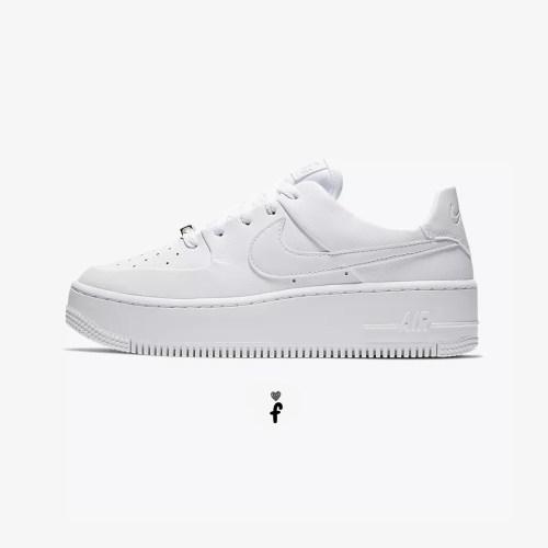 Nike Air Force 1 Sage Low Blancas