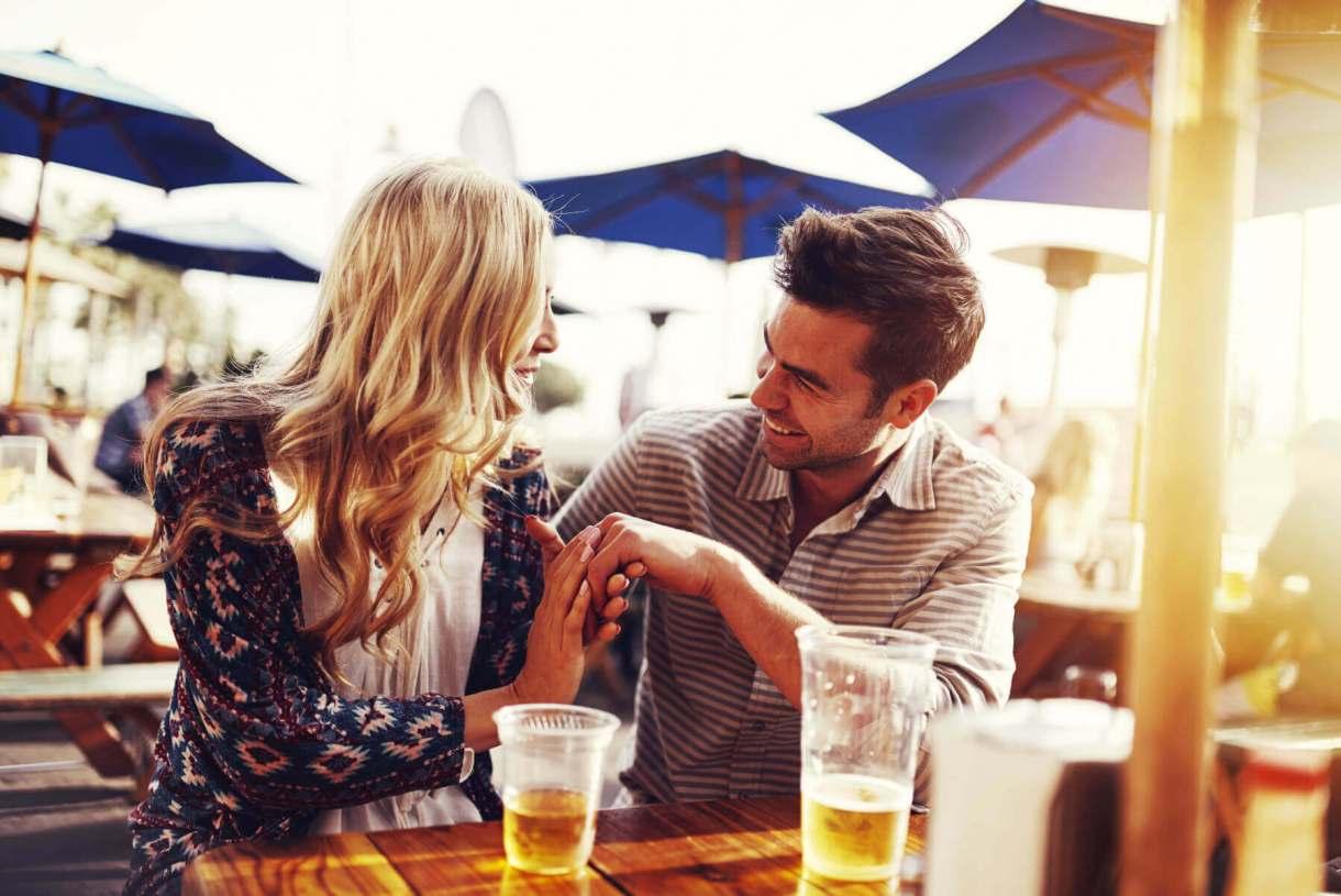 Couple Drink Scotch whiskey