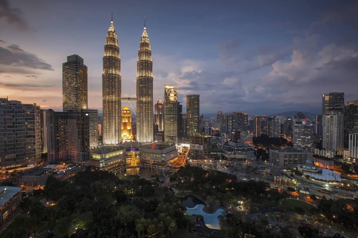 city-lights-skyline-buildings-Kuala-lumpur-Malaysia