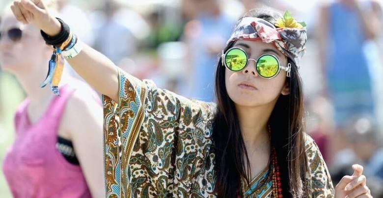 Innovative Ideas To Wear A Summer Scarf
