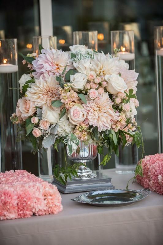 Fabulous Florist Heavenly Blooms California Flirty