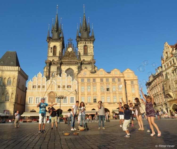 Children & Bubbles at Old Town Square (Staroměstské náměstí)
