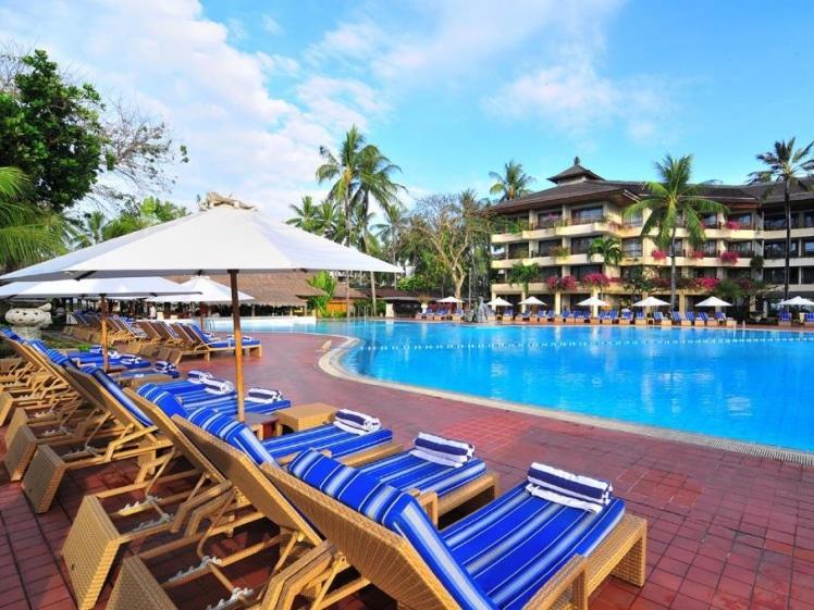 Chill by the pool @ Prama Sanur Beach Hotel